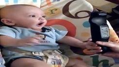 '커서 TV만 보게?'…리모컨 '열광' 아기