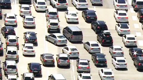 '벌초 행렬'…꽉 막힌 고속도로