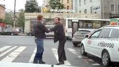 '택시기사 vs 일반운전자'…창문을 '와장창'