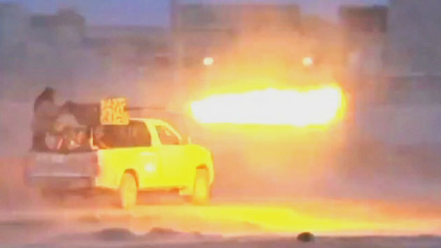 미국, 시리아 내 IS 근거지에 공습 개시