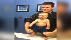 생후 8개월 보디빌더…'울끈불끈' 근육자랑