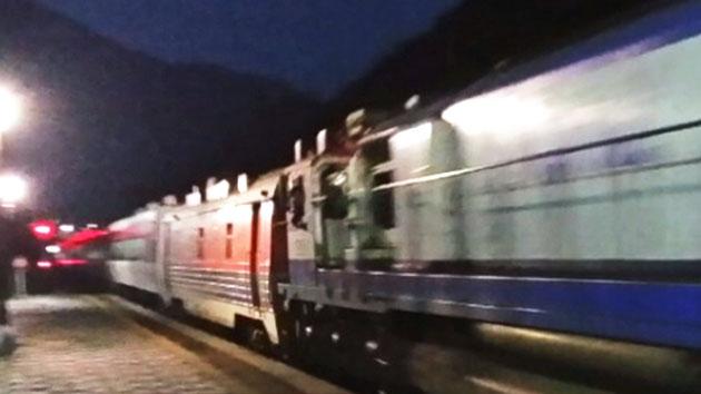 산속에서 6시간 동안 멈춘 열차…승객 분통