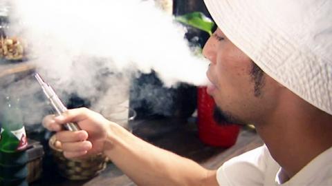 금연하려고 피웠는데…'전자담배'의 배신