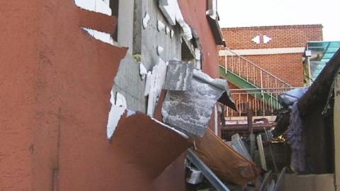 충남 공주 '건물폭발'…1층 무너져 붕괴 위험