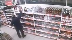 CCTV에 포착된 와인 도둑…그의 최후는?