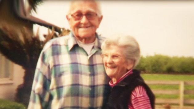 90세·89세 美 부부, 손잡고 한날한시에 떠나…