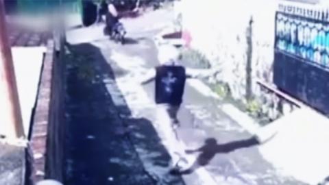 지갑 훔치려다 오토바이 빼앗긴 소매치기