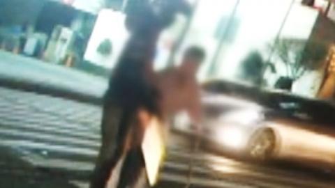 [영상] 삭막한 도로를 훈훈하게 바꾼 사람들