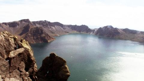 백두산 폭발 대비…한·중 지하 10㎞ 탐사 '가동'