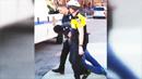美 흑인 용의자, 체포 직후 후송돼 사망