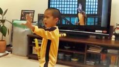 '내가 바로 리틀 이소룡'…쌍절곤에 푹 빠진 꼬마
