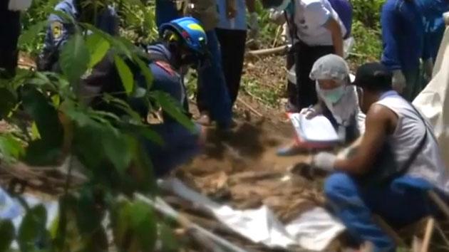 미얀마 난민들 매장 추정 '무덤' 무더기 발견
