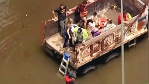 美 중남부 홍수 피해 확산…사망자 18명으로 늘어