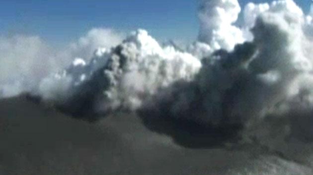 日 가고시마 남쪽 화산 대규모 폭발…주민 대피령