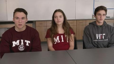 미국 세쌍둥이 남매 나란히 MIT 합격