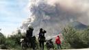 인도네시아 시나붕 화산 '꿈틀'…주민 대피령