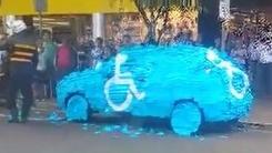 장애인 주차구역에 불법 주차했다 '동네 망신'