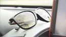 선글라스, '찜통 차'에 보관하면 망가져요!