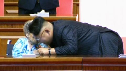 北 '빨치산 혈통' 황순희, 김정은에 '엄지 척'