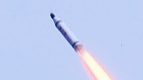 북한의 '은밀한 타격'…치명적인 위협 SLBM