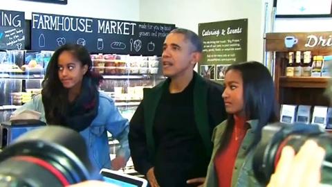 """오바마, 딸들과 골목 가게 쇼핑…""""소상공인 살려요"""""""