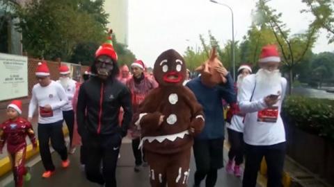 中 백혈병 어린이 위한 '산타 마라톤'