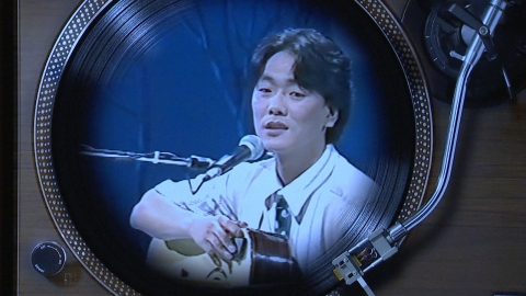 20년 만에 부활한 김광석…그림으로 보는 하정우·나얼