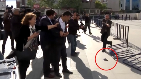 '언론 탄압' 터키, '정부 비리 의혹 폭로'에 총격·징역형