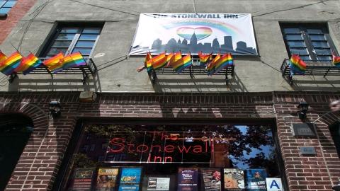 '스톤월', 국가기념물 된 게이 운동 발상지