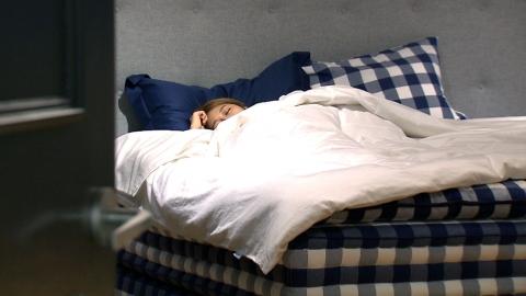 잠 많이 자도 적게 자도 탈…나이별 '권장 수면 시간'