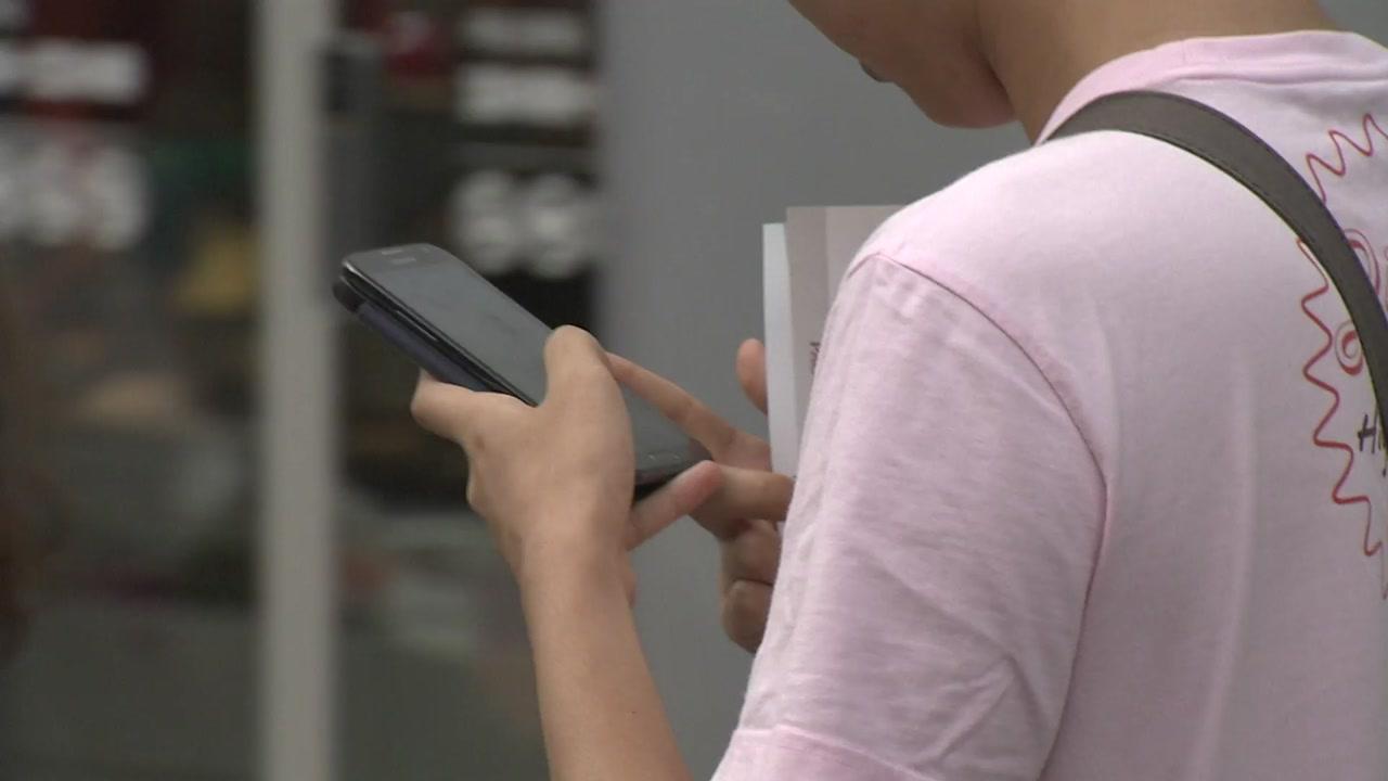 20대, 하루 활동 시간 1/4를 스마트폰에 쓴다