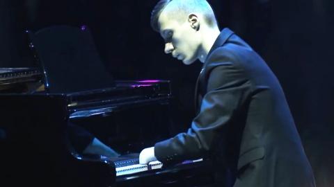 [영상] 열 손가락이 없는 피아니스트의 연주