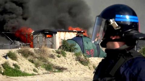 프랑스 칼레 난민촌 철거 본격화…환영 못받는 난민들