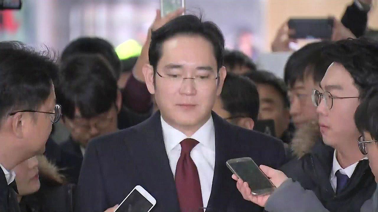 """이재용 '뇌물 혐의' 추궁...""""횡령·배임도 검토"""""""