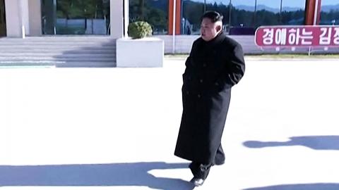 발목 물혹 재발? 北 김정은 또 '절뚝절뚝'