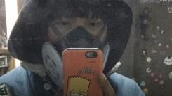 [한컷뉴스] 미세먼지 경보 때문에 등장한 엄청난 마스크