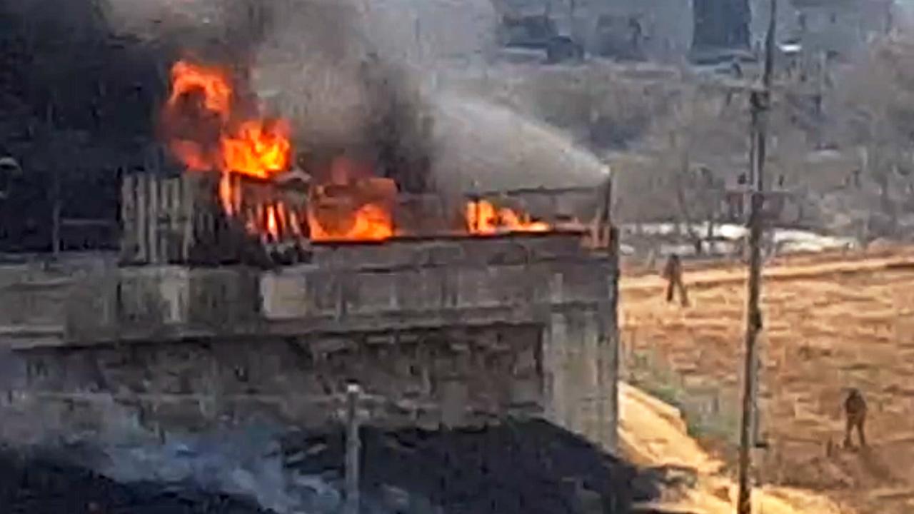 [영상] 평택시 시너 공장 화재...인명 피해는 없어
