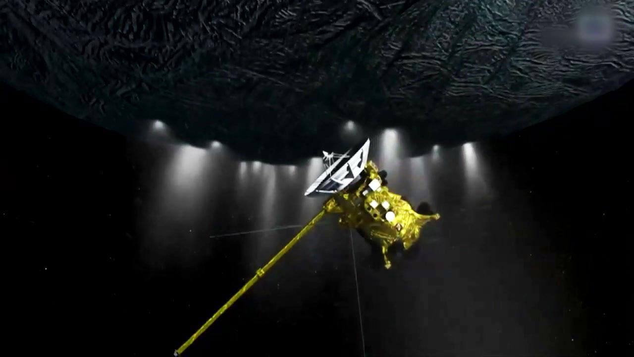 """나사 """"토성의 위성 내부 바다에 생명체 존재 가능성"""""""
