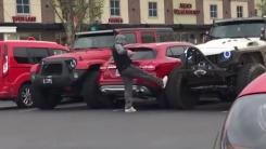 [영상] 주차장 '얌체 운전자'의 굴욕