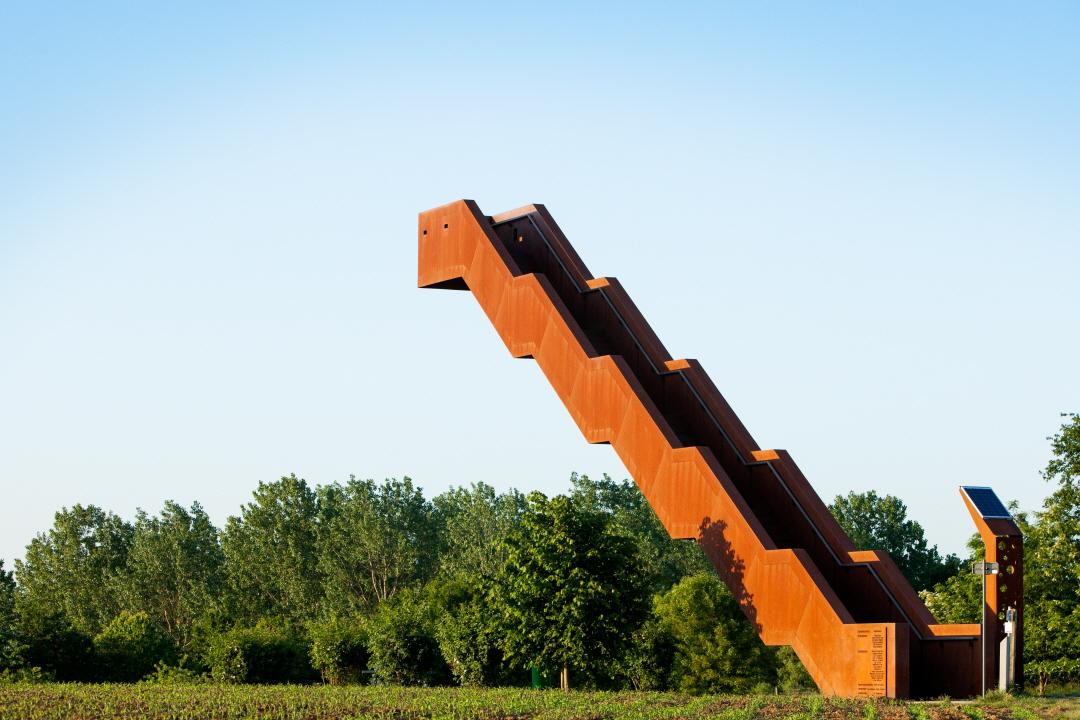 〔안정원의 디자인 칼럼〕 풍경을 조망하는 또 하나의 건축, 이색적인 전망 타워