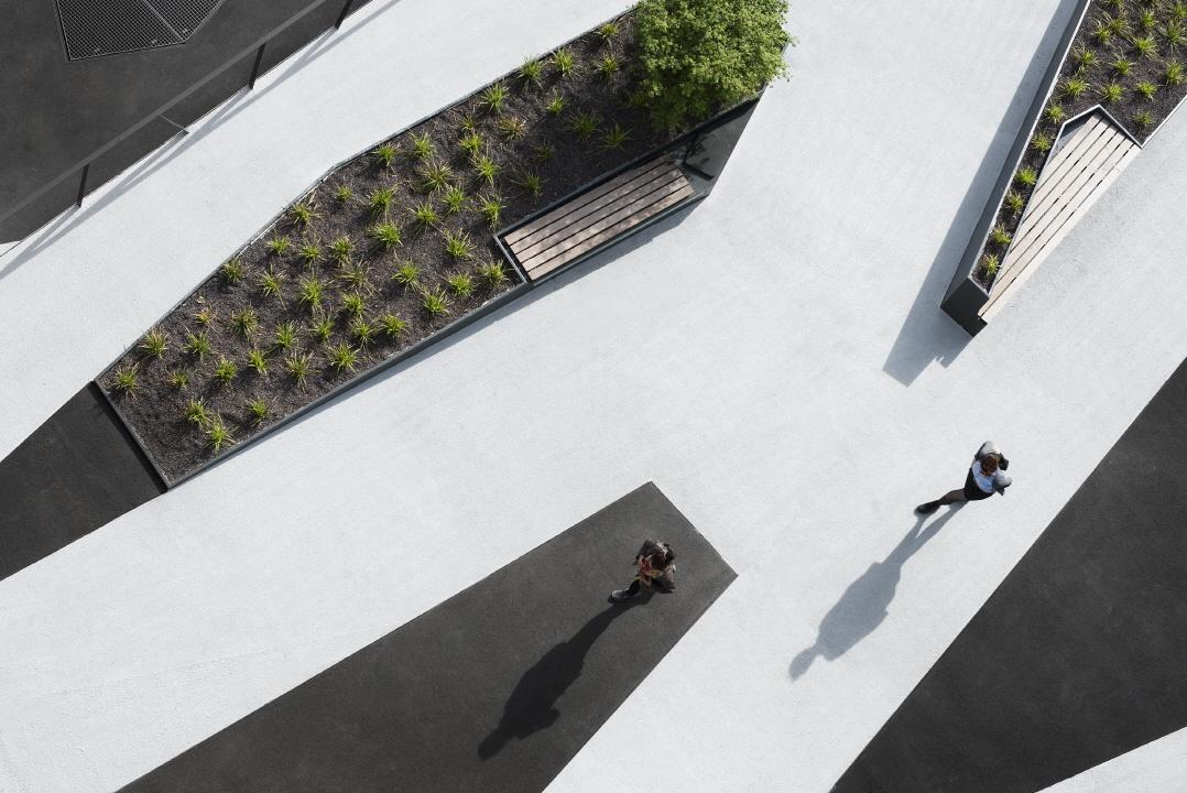 〔안정원의 디자인 칼럼〕 중세 도시 개념을 적용한 복합 건물의 화려한 공간 구성의 묘미