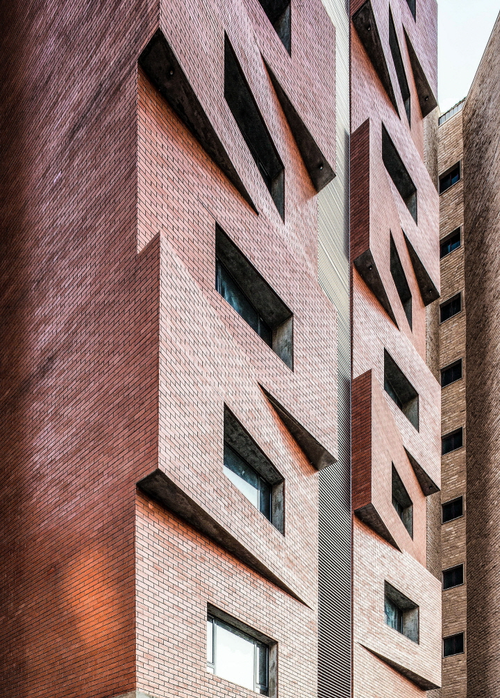 〔안정원의 디자인 칼럼〕 극심한 사막 기후에 대응하는 차별화된 아파트 외관