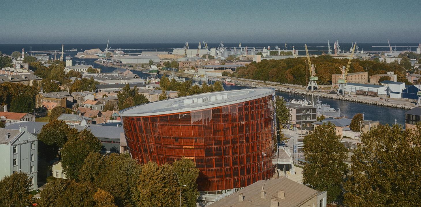 〔안정원의 디자인 칼럼〕 항구도시를 빛내는 갈색 건축물의 독특한 문화 매력에 빠지다 1