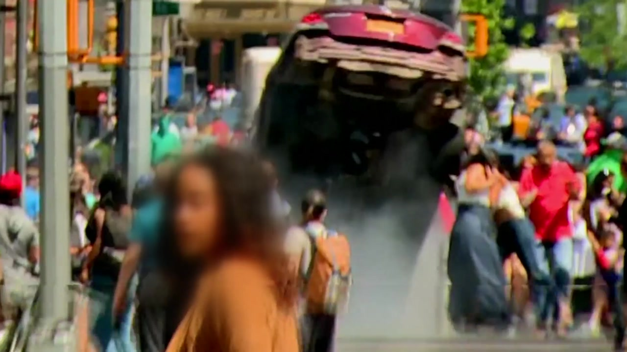 뉴욕 타임스퀘어에 차량 돌진... 1명 사망·20여 명 부상