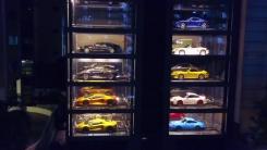 '누르기만 하면 뚝딱'...세계 최대 슈퍼카 자판기