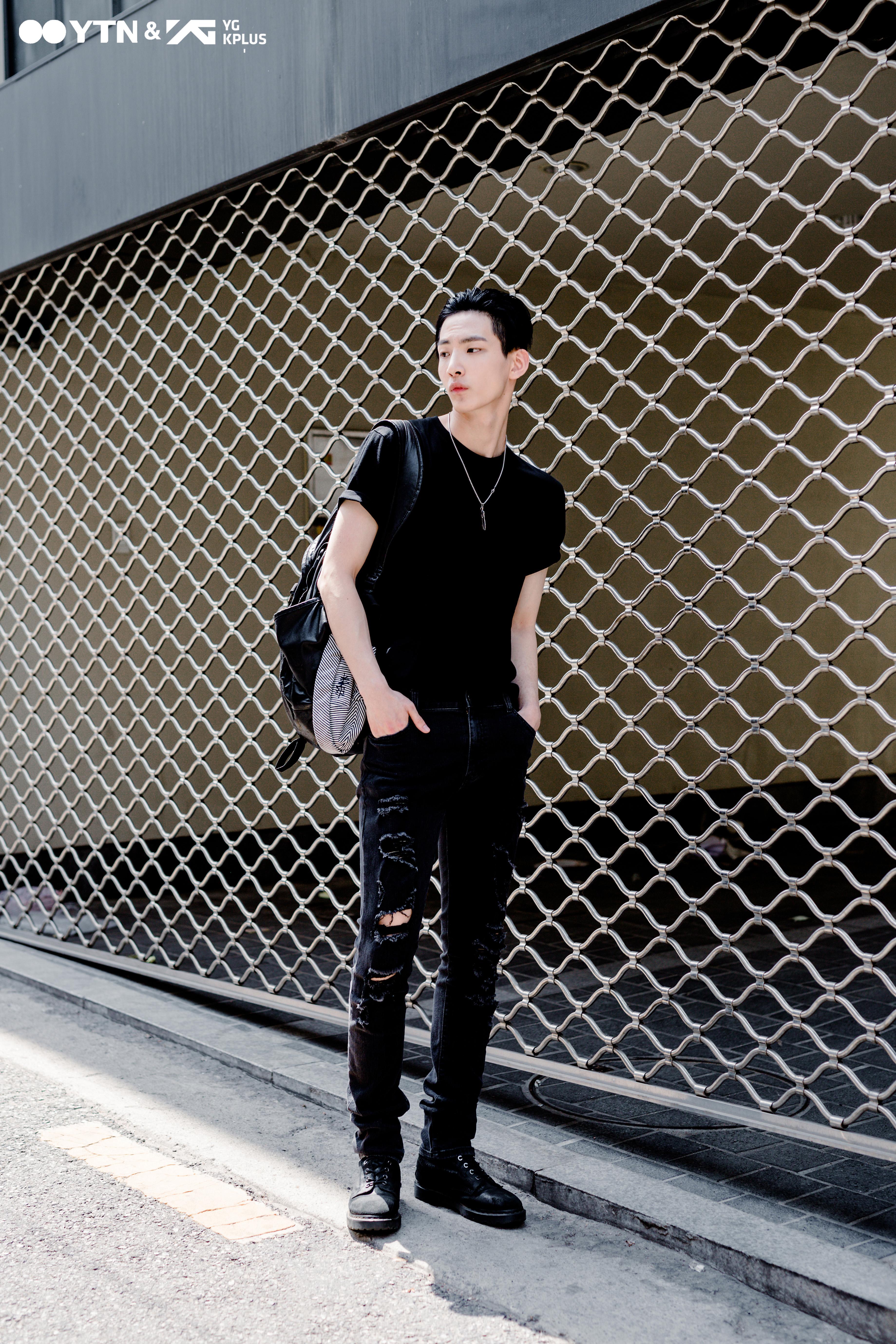 모델 김영석, 압도적인 '올 블랙의 카리스마' 뽐내!