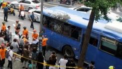 노량진 역 인근 레미콘·버스 충돌...35명 부상