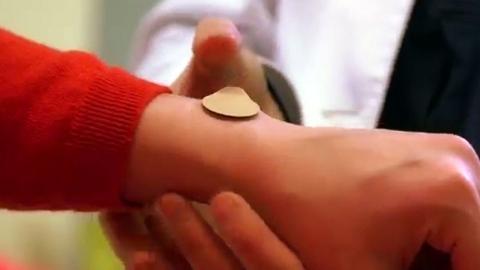피부에 붙이는 패치형 독감백신 개발