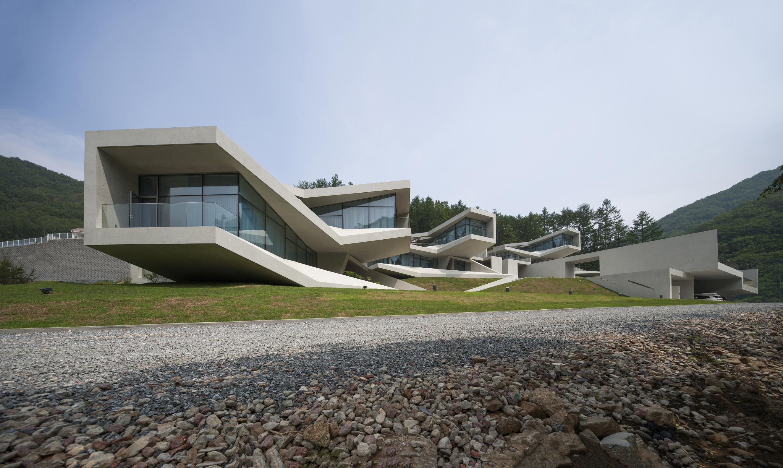 〔안정원의 디자인 칼럼〕 자연과 도시, 인간이 소통하는 곽희수의 관계의 건축 짚어보기 2