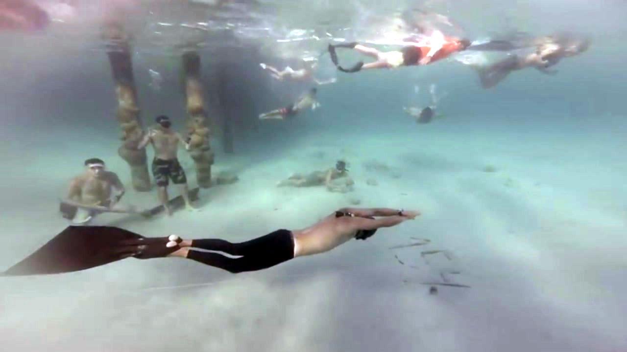 '숨 쉬지 않고 수영' 세계기록...3분 5초 동안 177m